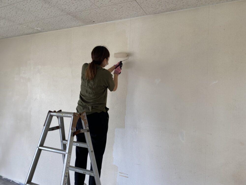 【開店へ向けて改装中】2020.7.2|壁紙塗装